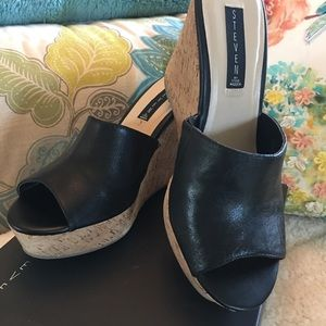 🆕in box, Farrahh leather wedge by Steven Madden